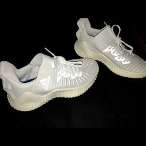 Adidas AlphaBOUNCE Trainer women's 7.5